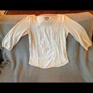 Quarter sleeve shirt